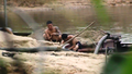 Ai tiếp tay cho khai thác cát trái phép trên lòng hồ chùa Hương Tích?