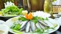 Gỏi cá trích đậm đà mùi vị của biển