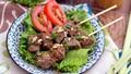 Thịt bò nướng sả thơm lừng góc bếp