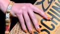 Tìm hiểu xu hướng vẽ móng tay lấp lánh