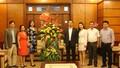 Thứ trưởng Trần Tiến Dũng đã tới thăm và chúc mừng các thầy, cô giáo