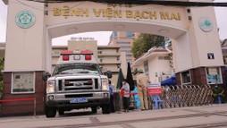 Bệnh viện Bạch Mai làm gì để 'lấp chỗ trống' hơn 200 nhân viên nghỉ việc?