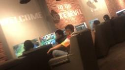 'Phớt lờ' dịch bệnh, nhiều quán trò chơi điện tử ở TP HCM lén lút đón khách