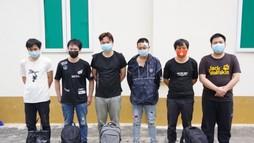 Mật phục bắt nhóm đối tượng đón người Trung Quốc vượt biên vào Việt Nam