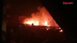 Cháy lớn tại công ty giày ở quận Bình Tân, 198 chiến sĩ nỗ lực cứu hỏa