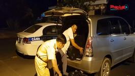 Bắt quả tang tài xế dùng ôtô chở cán bộ đi học để chở thuốc lá nhập lậu