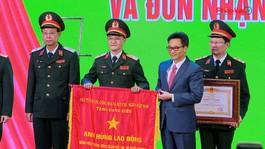 Bệnh viện Trung ương Quân đội 108 đón nhận danh hiệu Anh hùng Lao động thời kỳ đổi mới