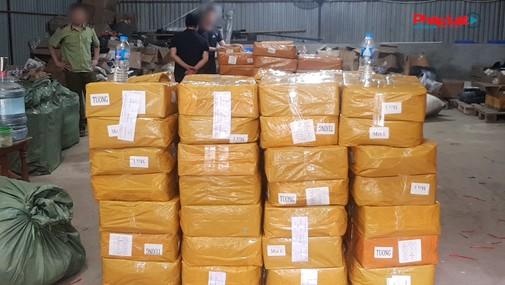 Hà Nội: Thu giữ 13 nghìn 900 lọ tinh dầu thuốc lá điện tử