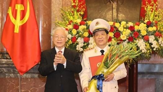 Tổng Bí thư, Chủ tịch nước trao Quyết định thăng cấp bậc hàm Thượng tướng cho Thứ trưởng Bộ Công an