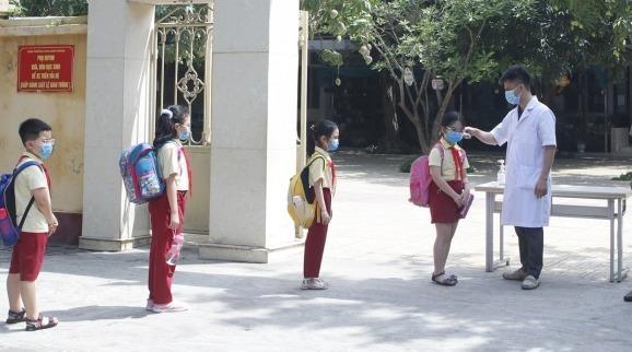 Loạt tỉnh, thành cho học sinh nghỉ hè sớm chống dịch