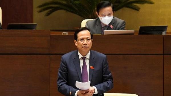 Bộ trưởng Đào Ngọc Dung phát biểu tại phiên họp.