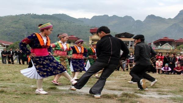 Khám phá tập quán sinh sống, lao động trên núi cao của người H'Mông ở Hà Giang