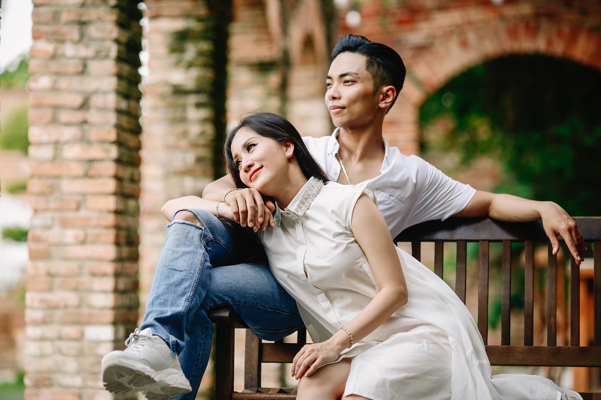 """Khánh Thi - nỗi sướng, khổ của người đàn bà """"già"""" hơn chồng 12 tuổi - Ảnh 1."""