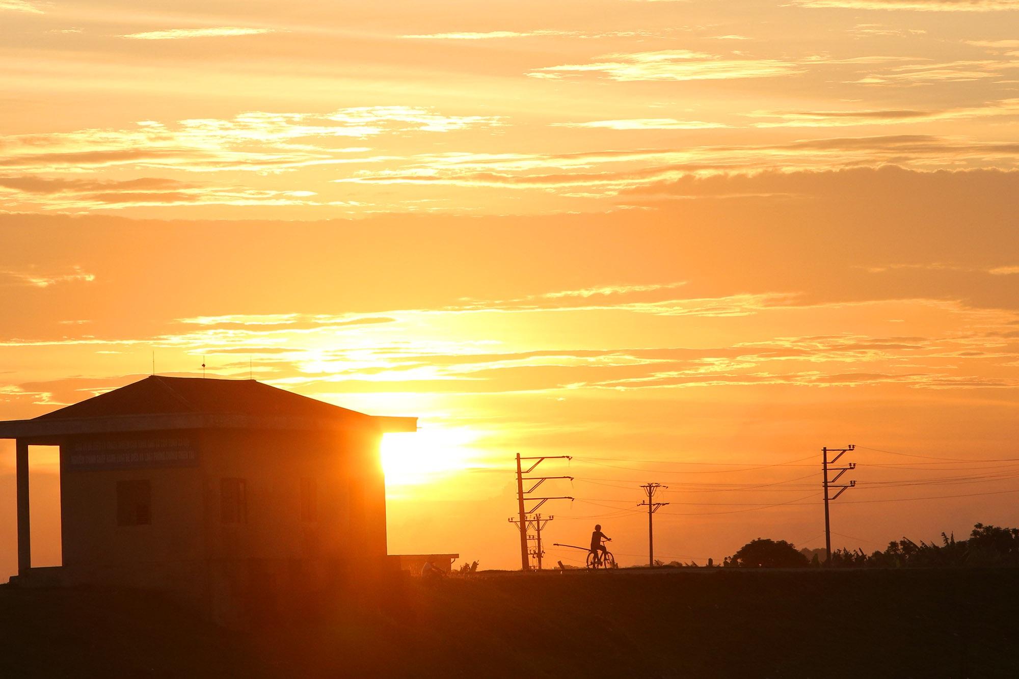 Phong cảnh bình yên nhìn từ những triền đê ở Hà Nội - 7
