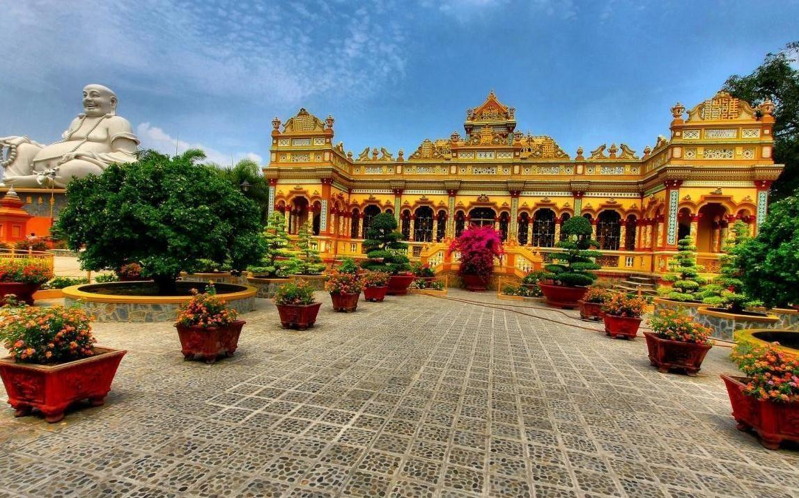 Toàn cảnh ngôi chùa.