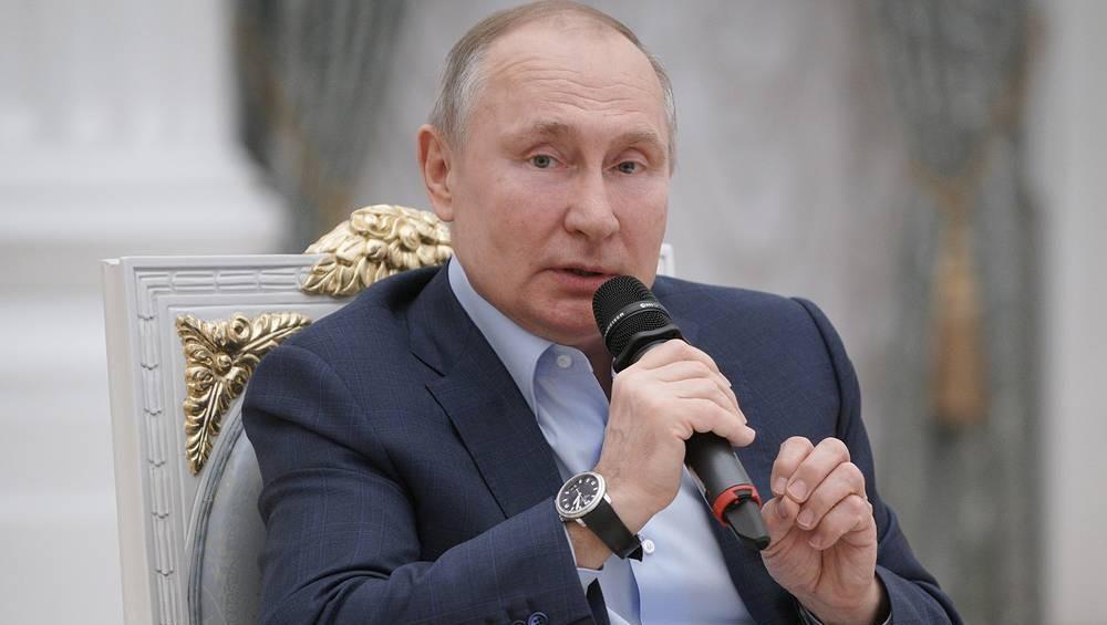 Tổng thống Nga Putin nói về thời điểm Internet hủy hoại xã hội