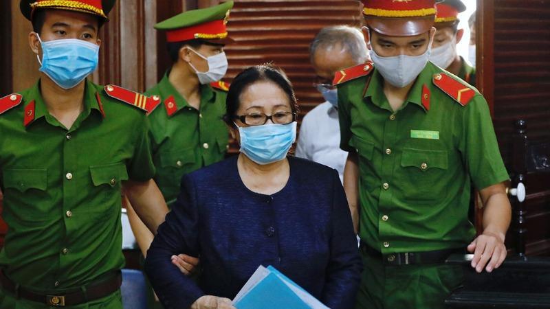 Bước ngoặt trong phiên xử nguyên Phó Chủ tịch UBND TP.HCM: Agribank trình hợp đồng thế chấp nhà của bà Diệp Bạch Dương