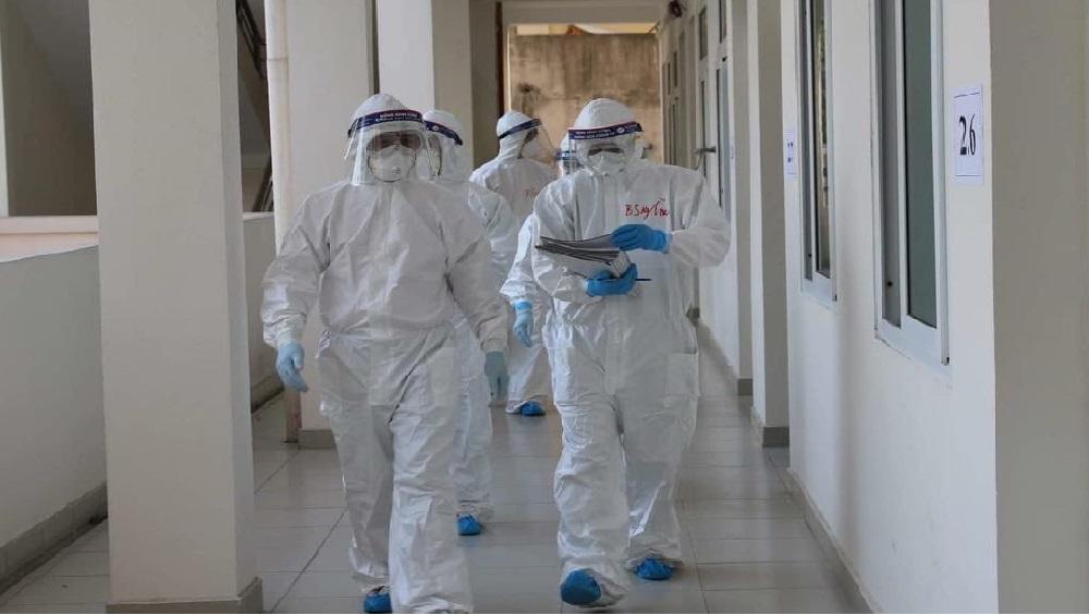 Bệnh viện Bạch Mai chi viện bác sĩ nhi khoa cho BV Dã chiến số 2 Hải Dương