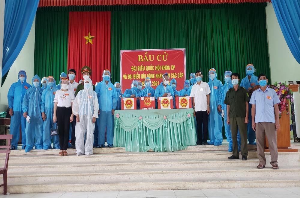 Hoạt động bầu cử tại tâm dịch Covid-19 tỉnh Bắc Giang diễn ra thuận lợi, an toàn