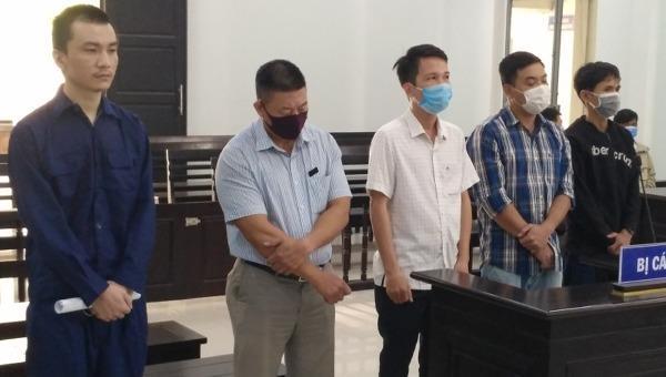 """Điều tra bổ sung vụ """"hô biến"""" người nước ngoài thành người Việt Nam"""