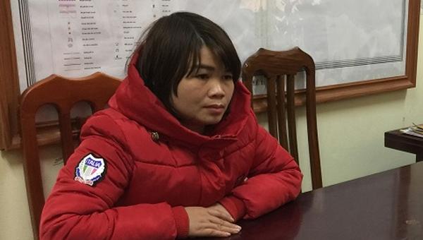 Cô gái đổ hóa chất 'giết' cây sưa trị giá 55 tỷ đồng