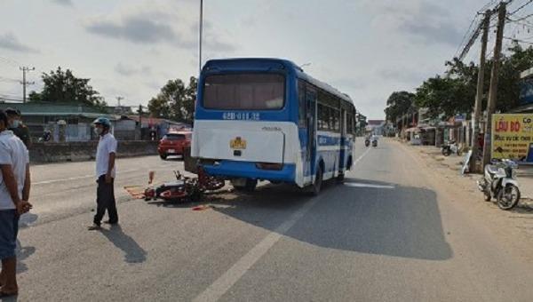 Tin giao thông ngày 15/2: 5 người tử vong, 2 người bị thương sau tai nạn