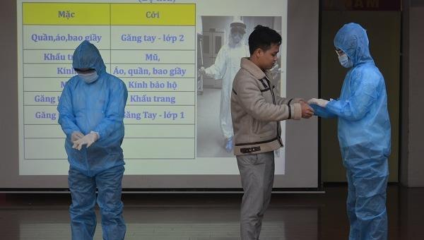 Hà Nội: Tập huấn phòng chống Covid-19 cho lái xe vận chuyển người cách ly