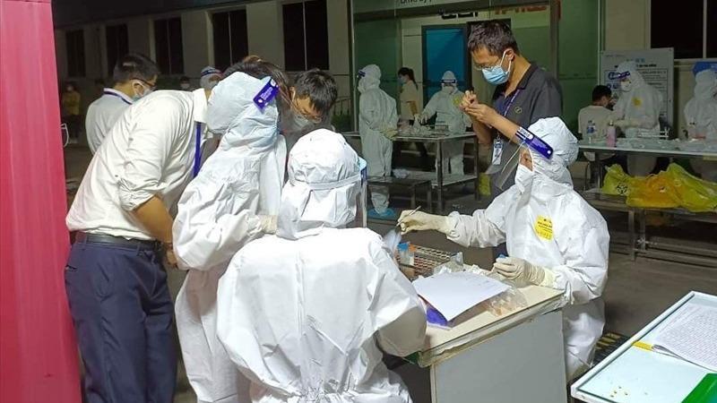 Bắc Giang test nhanh F1 trong khu cách ly và trường hợp nghi nhiễm trong cộng đồng
