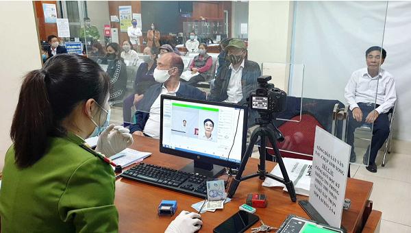 Quảng Ninh thu nhận gần 1 triệu hồ sơ cấp CCCD gắn chip sau hơn 2 tháng cao điểm