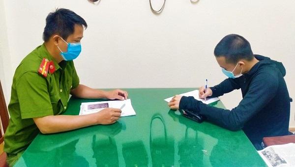 Bị cảnh sát bắt, hai thanh niên cho vay nặng lãi hối lộ 150 triệu đồng xin tha