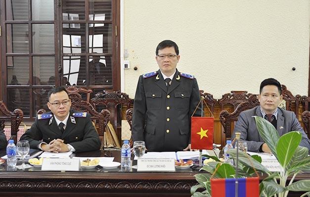 Đoàn cán bộ tư pháp Lào tìm hiểu về công tác thi hành án