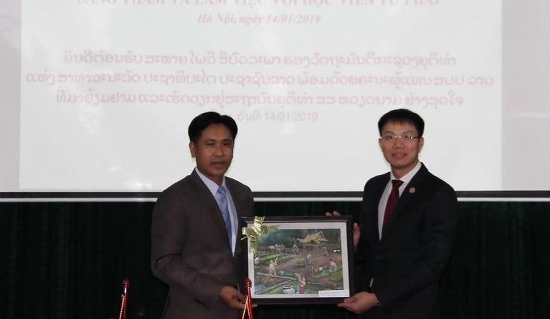 Giám đốc Học viện Tư pháp Việt Nam tiếp Thứ trưởng Bộ Tư pháp nước CHDCND Lào