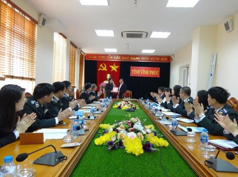 Tổng cục trưởng Mai Lương Khôi thăm và làm việc tại Cục Thi hành án dân sự tỉnh Vĩnh Phúc
