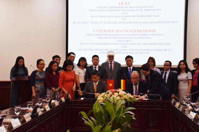 Ký kết Chương trình hợp tác Đối thoại Nhà nước pháp quyền giữa Việt Nam – CHLB Đức