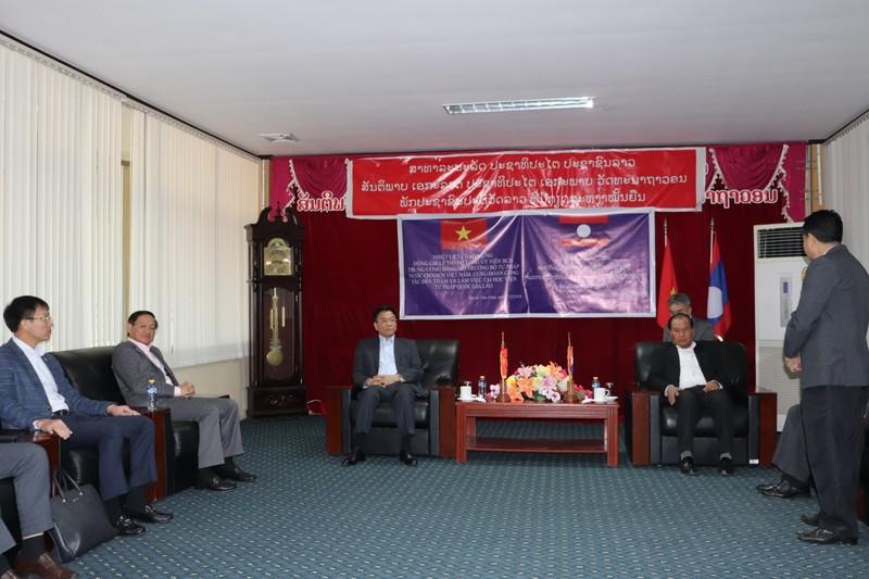 Bộ trưởng Lê Thành Long thăm, làm việc với Học viện Tư pháp Quốc gia Lào