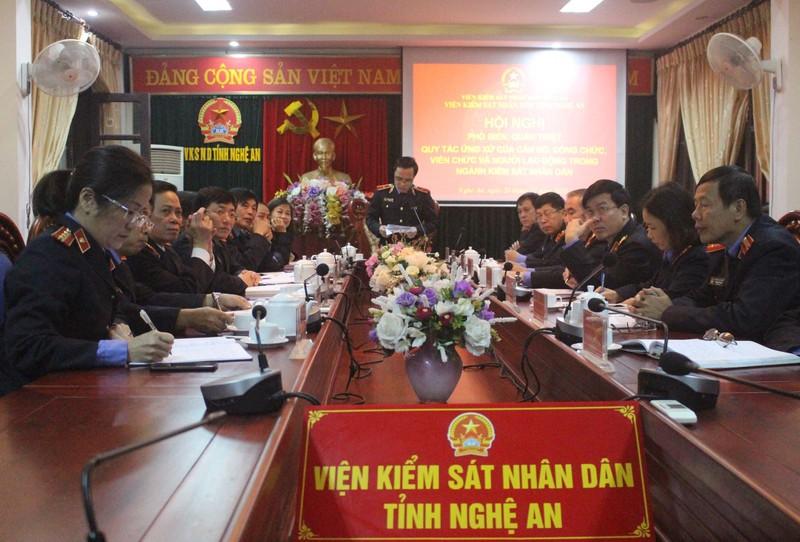 VKSND tỉnh Nghệ An: Quán triệt quy tắc ứng xử trong ngành