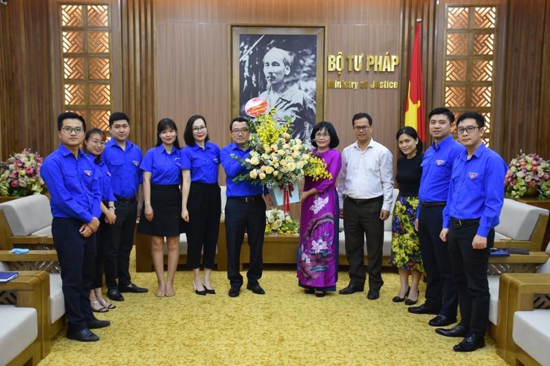 Thứ trưởng Đặng Hoàng Oanh chúc mừng Đoàn Thanh niên Bộ Tư pháp nhân ngày 26/3