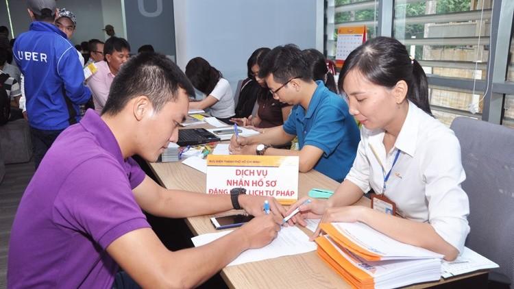 TP Hồ Chí Minh khuyến khích nộp hồ sơ cấp Phiếu Lý lịch Tư pháp qua dịch vụ bưu chính công ích