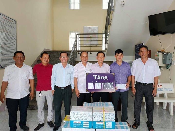 Cục THADS Sóc Trăng tặng quà cho học sinh nghèo hiếu học