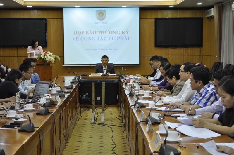 Bộ Tư pháp tổ chức họp báo thường kỳ