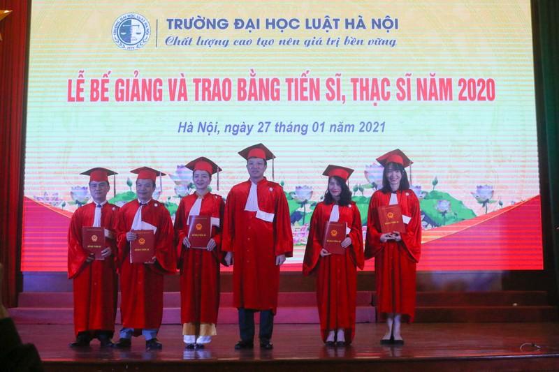 Đại học Luật Hà Nội trao bằng Tiến sĩ, Thạc sĩ năm 2020