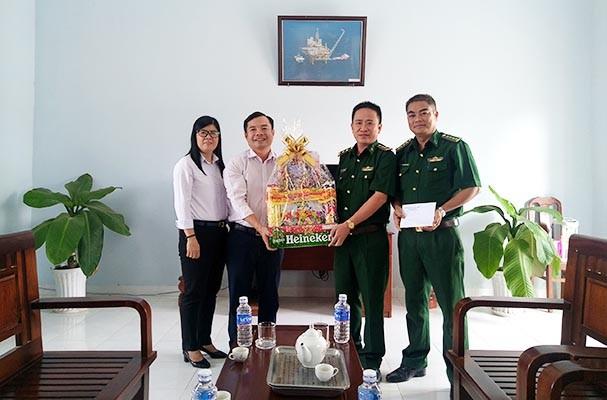 Sở Tư pháp tỉnh Tây Ninh thăm hỏi, chúc Tết các đơn vị được đỡ đầu