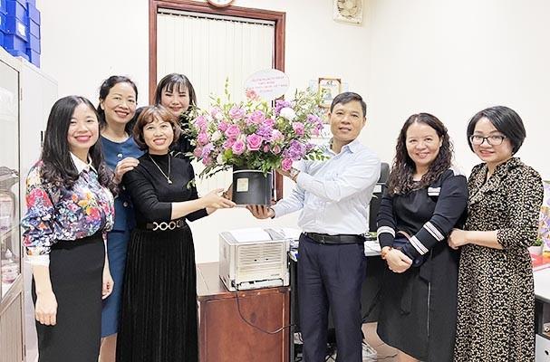 Lãnh đạo Văn phòng Bộ Tư pháp chúc mừng Ngày Thầy thuốc Việt Nam
