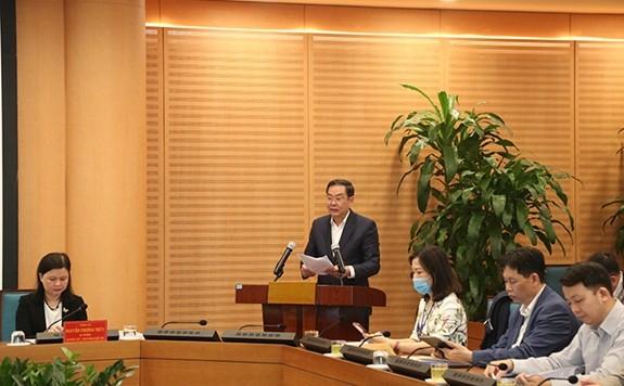 Phó Chủ tịch Thường trực UBND TP Hà Nội Lê Hồng Sơn phát biểu tại hội nghị trực tuyến phổ biến Luật Bầu cử đại biểu Quốc hội và đại biểu Hội đồng nhân dân năm 2015.