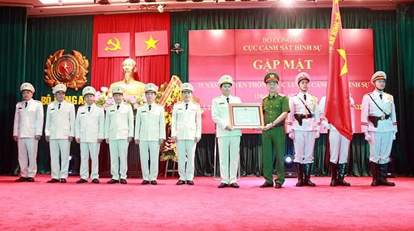 Cục Cảnh sát hình sự đón nhận Huân chương chiến công hạng Nhất