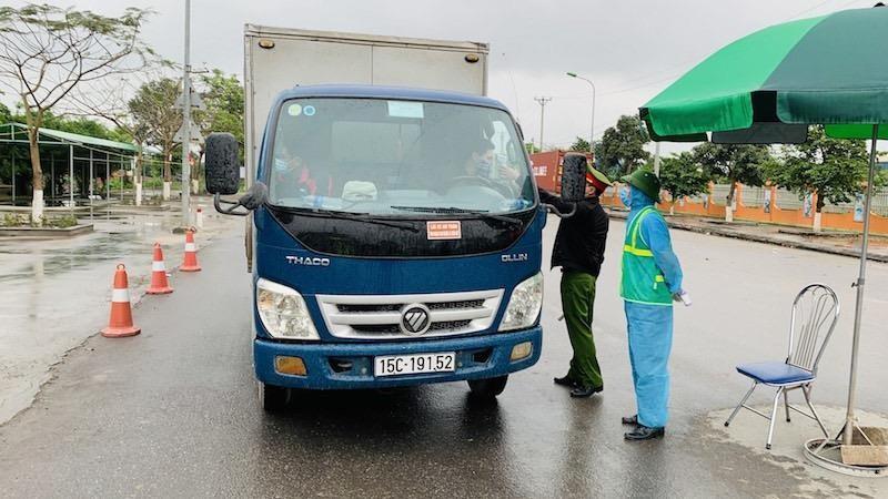 Từ 11/4/2020, xe hàng hóa của Hải Phòng ra vào Thành phố phải có Giấy xác nhận