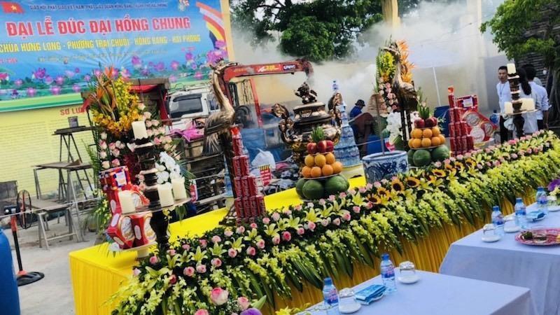 Lễ đúc Đại Hồng Chung (Chuông lớn) tại chùa Hưng Long, phường Trại Chuối, quận Hồng Bàng
