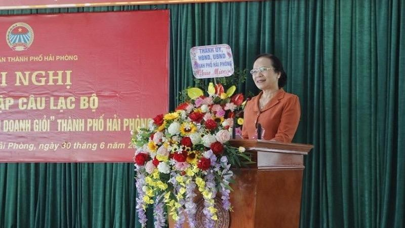 Phó Bí thư Thường trực Thành ủy Nguyễn Thị Nghĩa phát biểu tại hội nghị.