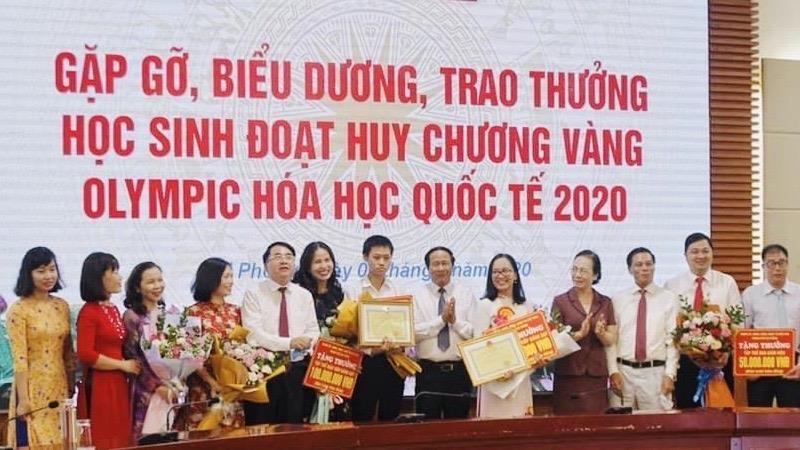Hải Phòng thưởng 500 triệu đồng học sinh giành Huy chương Vàng Olympic Hóa học quốc tế