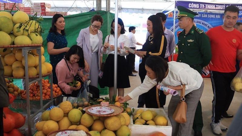 Hải Phòng: Khai mạc phiên chợ đưa hàng Việt về hải đảo năm 2020